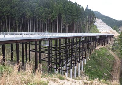 付替国道496号(下伊良原)鋼製桟道工工事(26-1工区)