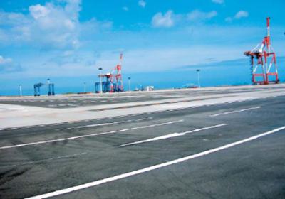 響灘西コンテナターミナル舗装